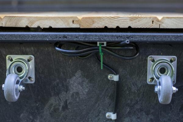 boo a připojení na automatickou závlahu pod truhlíkem